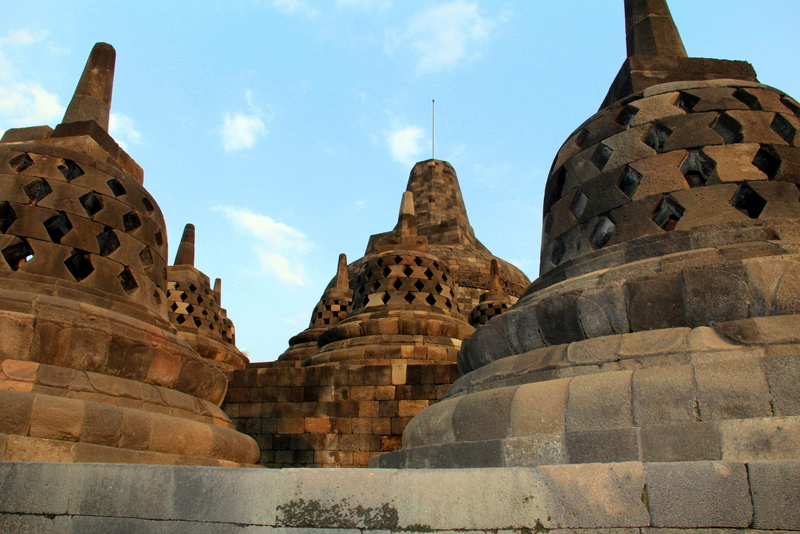 how to get to borobudur from singapore